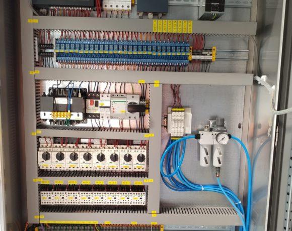 Projekt i dostawa szaf sterujących  bateriami cyklonów odpylających dla Zakładów Azotowych. (Puławy, Polska)