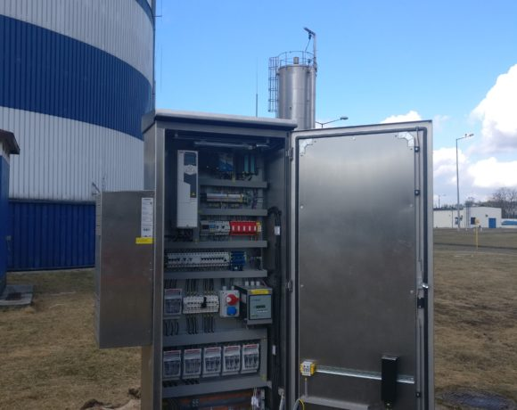 System kontrolno-pomiarowy do automatycznego sterowania układem odwodnienia depresyjnego części osadowej na terenie GOŚ ŁAM. (Łódź, Polska)